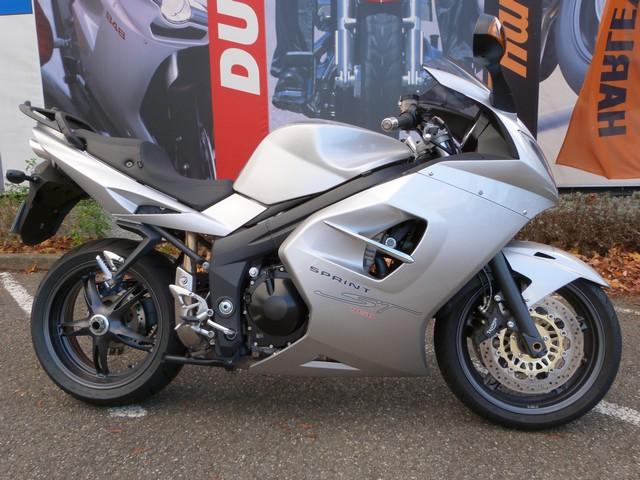 moto occasion TRIUMPH SPRINT ST 1050