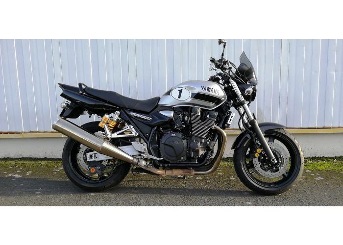 moto  XJR occasion