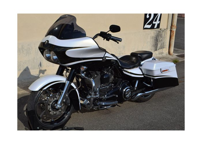 moto  CVO ROAD GLIDE CUSTOM occasion