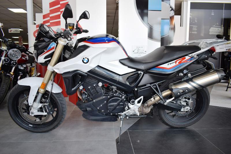 moto F 800 R