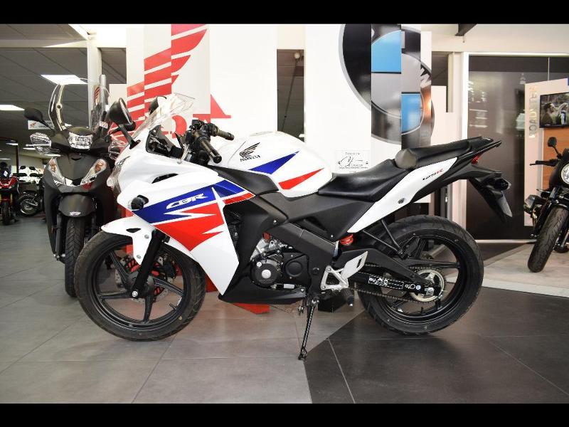 moto CBR 125 R 2015