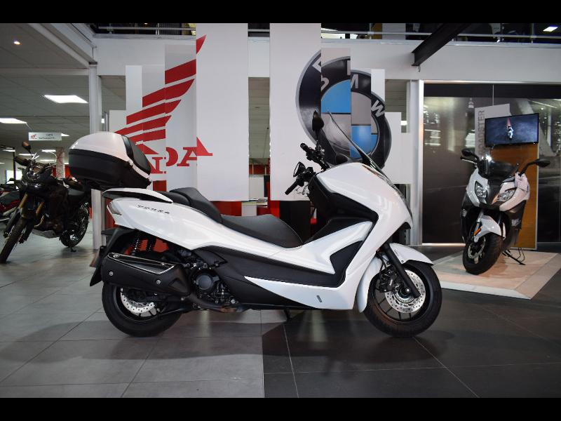 moto NSS Forza 300 C-ABS 2013